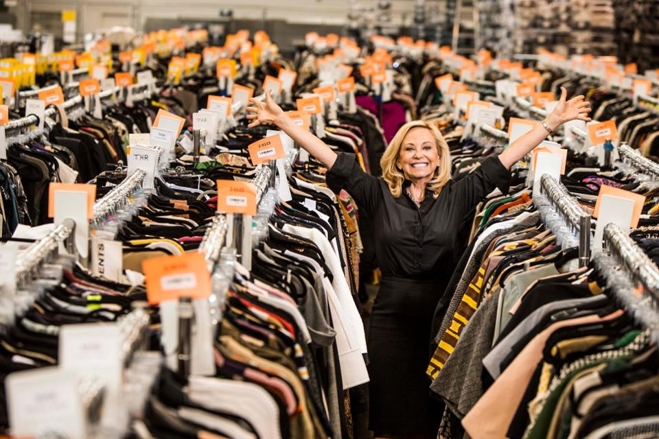 Luxury online consignment shop The RealReal raised $300 million in an initial public offering on Friday. The company, which filed to go public on May 31, priced its shares at $20 apiece on Thursday night, above the expected range of $17 to $19. They closed at $28.90, up 44.5%, which gives The RealReal a market cap of $2.39 billion.