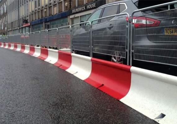 Pedestrian Guard Mass Barriers with fence