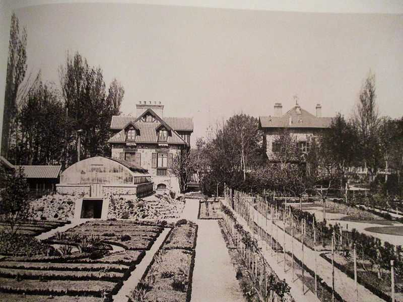 The garden of Gustave Caillebotte at Petit Gennevilliers (winter 1891-1892); on the right the big house, on the left, the little house and the workshop with the greenhouse in front.