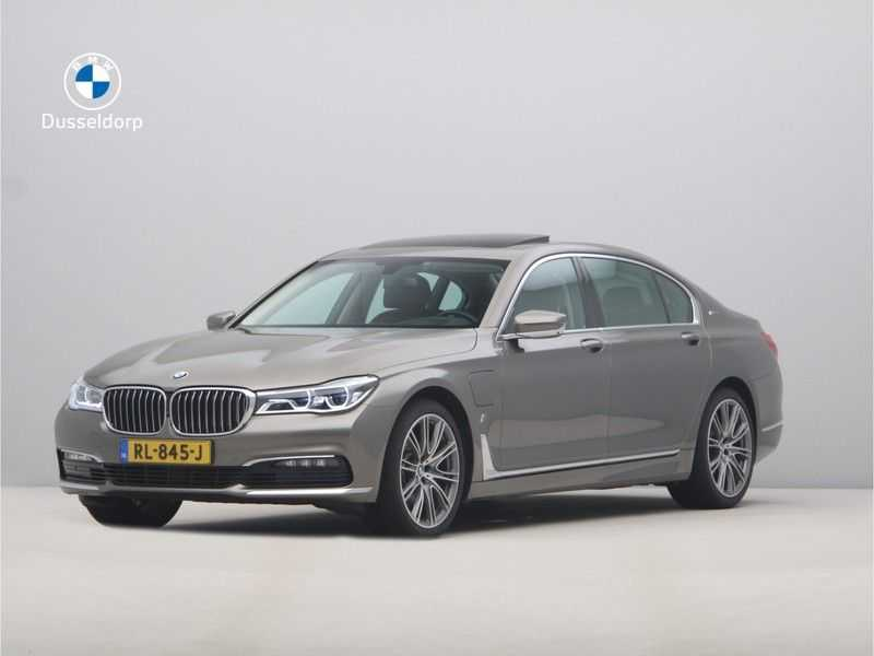BMW 7 Serie 740Le iPerformance High Executive afbeelding 1