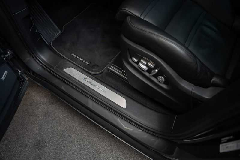 Porsche Cayenne Coupé Hybrid Sport Design Hoogglans 22' Adaptieve Sport Stoelen ACC Surround 3.0 E-Hybrid afbeelding 16