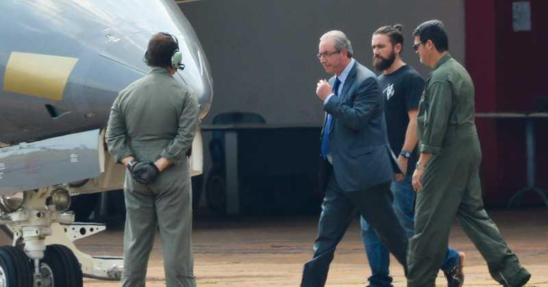 Diálogos indicam que Moro instruiu força-tarefa a não apreender celulares de Eduardo Cunha