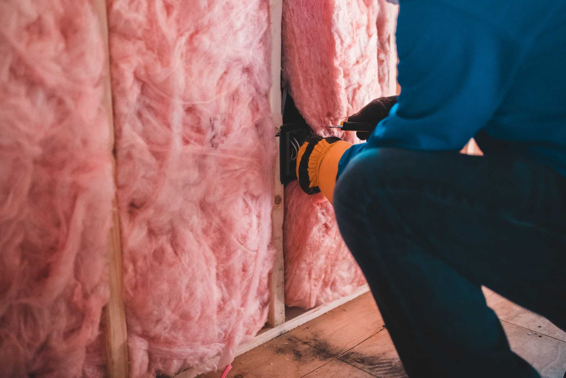How to Save Money and Energy Insulating Your Home