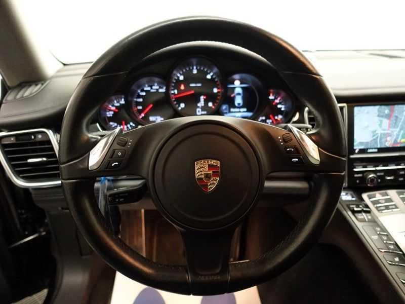 Porsche Panamera 3.0D Black Edition 300pk Autom- Schuifdak, Leer, Camera, Navi, Xenon, Memory, LMV afbeelding 8
