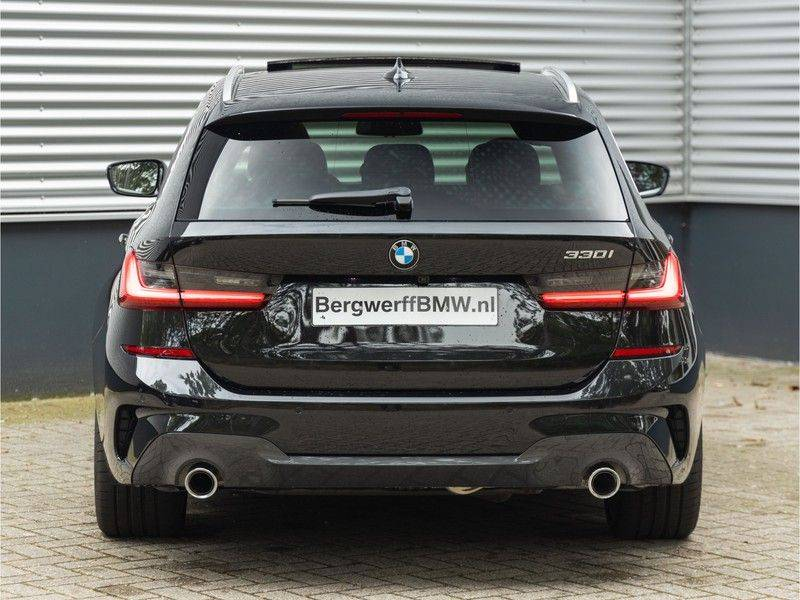 BMW 3 Serie Touring 330i M-Sport - Individual - Memoryzetel - Panorama - Trekhaak afbeelding 6