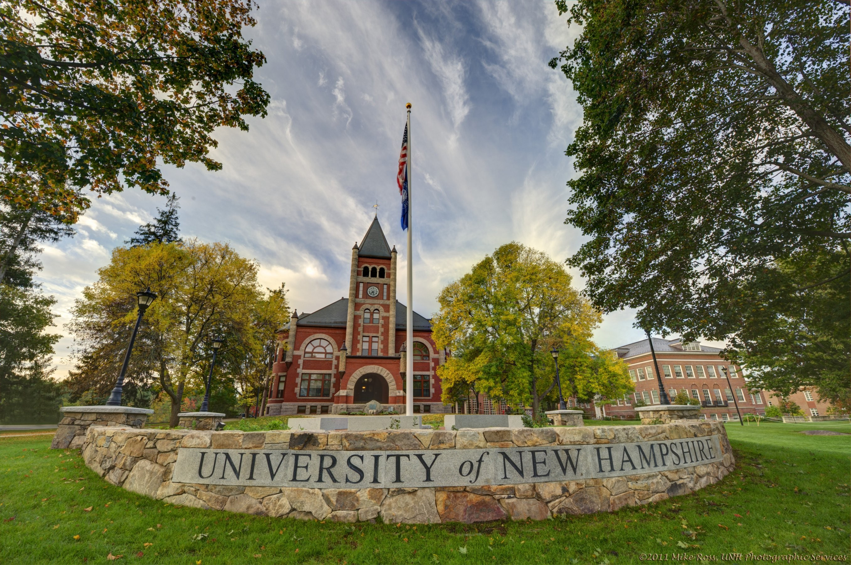 University of New Hampshire main campus sign