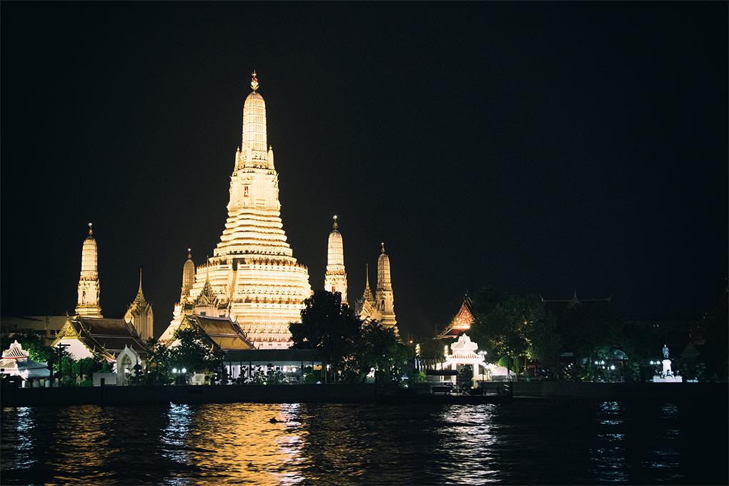 夜晚的黎明寺