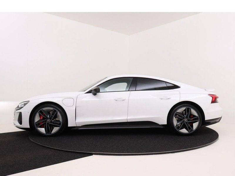 Audi e-tron GT RS   Stoelventilatie/Massage   Head-Up   Carbon   Matrix LED   360 Camera   Nachtzicht   afbeelding 6