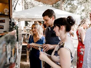 Netter, gute Laune verbreitender Service geht auf individuelle und spezifische Menüwünsche und Allergien der Gäste ein