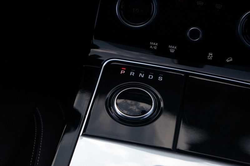 Land Rover Range Rover Velar 3.0 V6 SC AWD R-Dynamic afbeelding 20