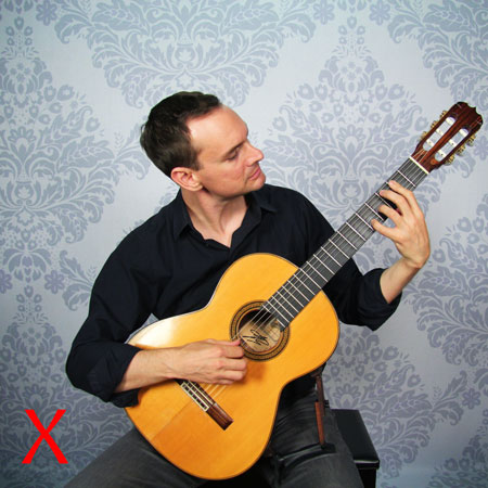 Guitariste qui tend le cou