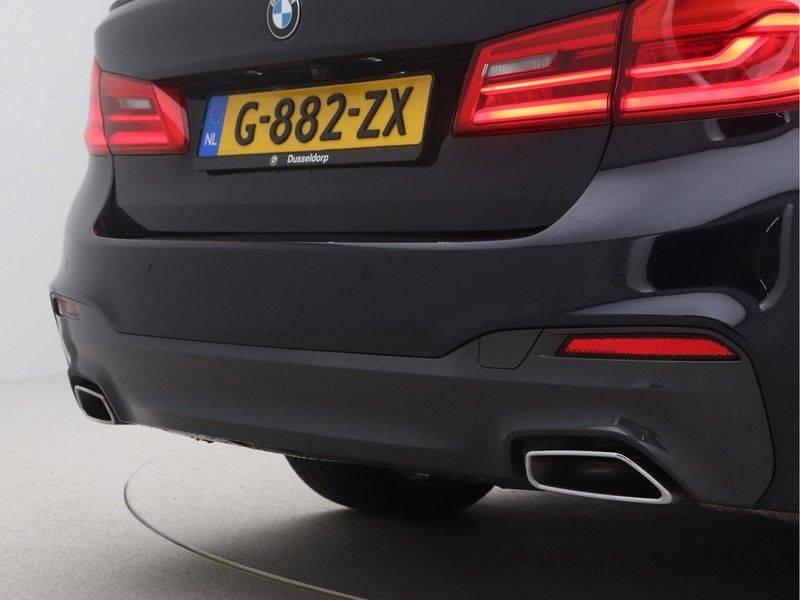 BMW 5 Serie Sedan 540i High Executive M-Sport Automaat afbeelding 24