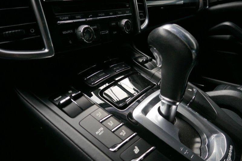 Porsche Cayenne 4.8 S Panoramadak afbeelding 25