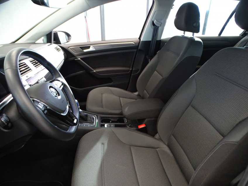 Volkswagen e-Golf e-Golf MARGE! LED Navigatie Clima Cruise Warmtepomp Virtual CP Camera afbeelding 4
