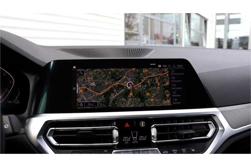 BMW 3 Serie Touring 330i Executive M Sport Driving Assistant Plus, HiFi, Comfort Access afbeelding 15