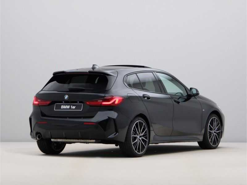 BMW 1 Serie 118i High Exe M-Sport Aut. afbeelding 10
