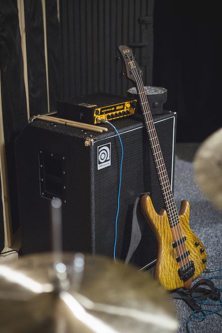 Kolumna basowa Ampeg SVT-410HLF i wzmacniacz Mark Bass Little Mark III
