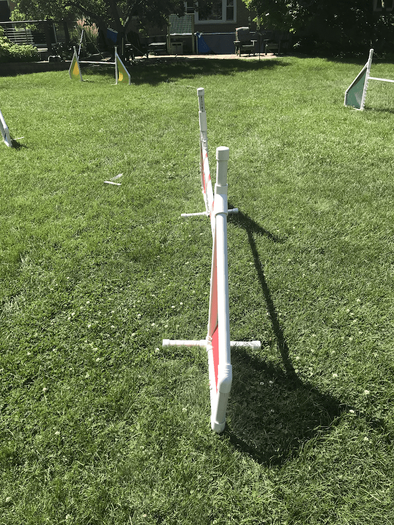 A crooked jump upright