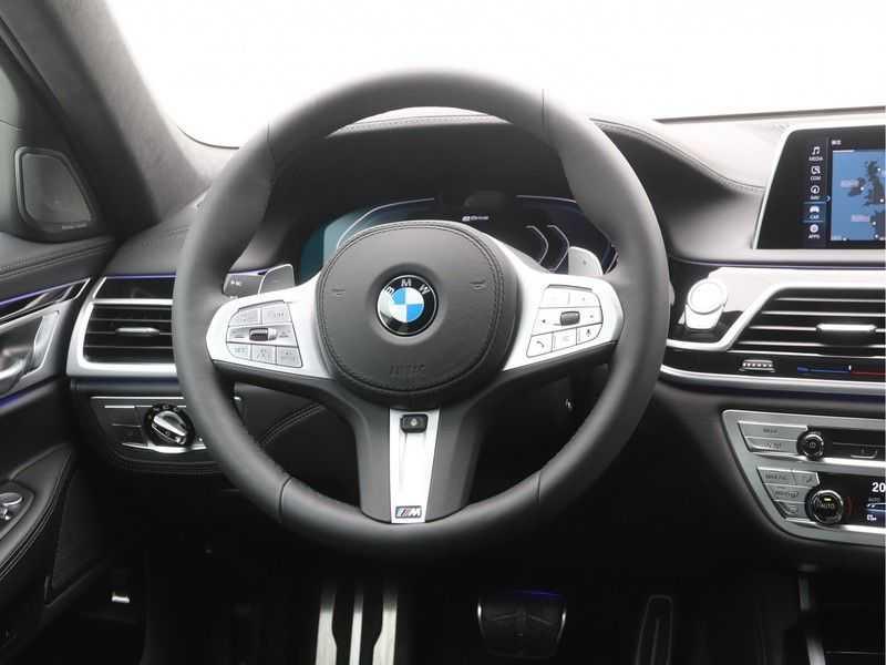 BMW 7 Serie 745e M Sport High Executive BEZICHTIGING OP AFSPRAAK afbeelding 14