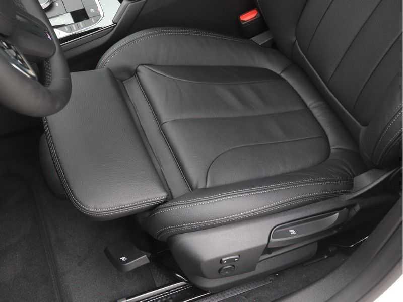 BMW 2 Serie Gran Coupé Gran Coupé 218i High Executive M-Sport Automaat afbeelding 14