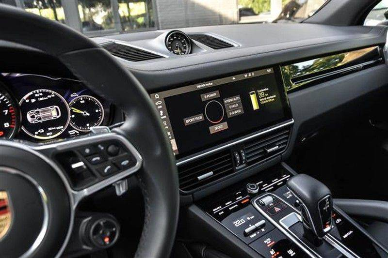 Porsche Cayenne E-HYBRID SPORTDESIGN+PANO.DAK+4WSTURING afbeelding 7