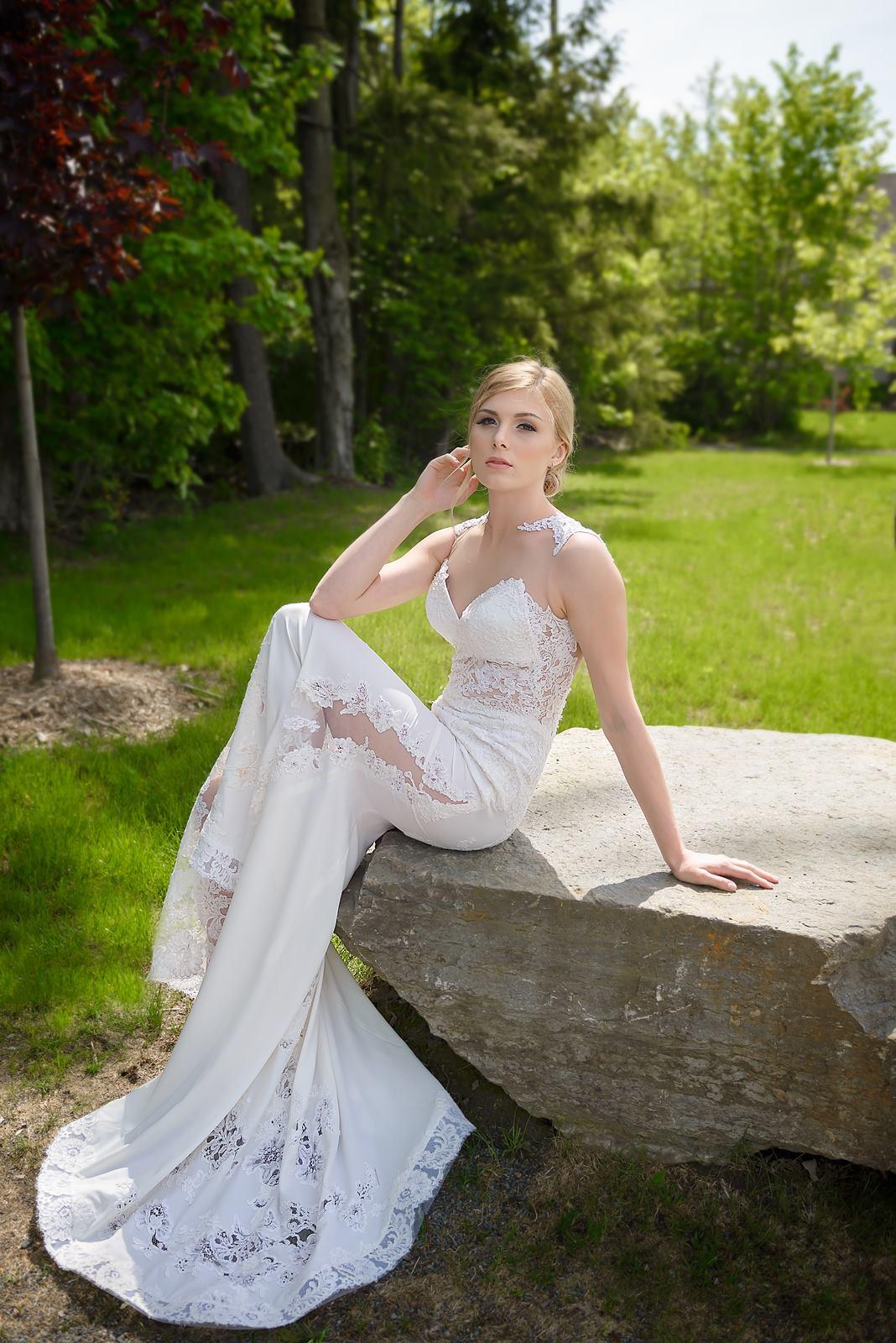 wedding dress montreal designer haute couture dentelle classique