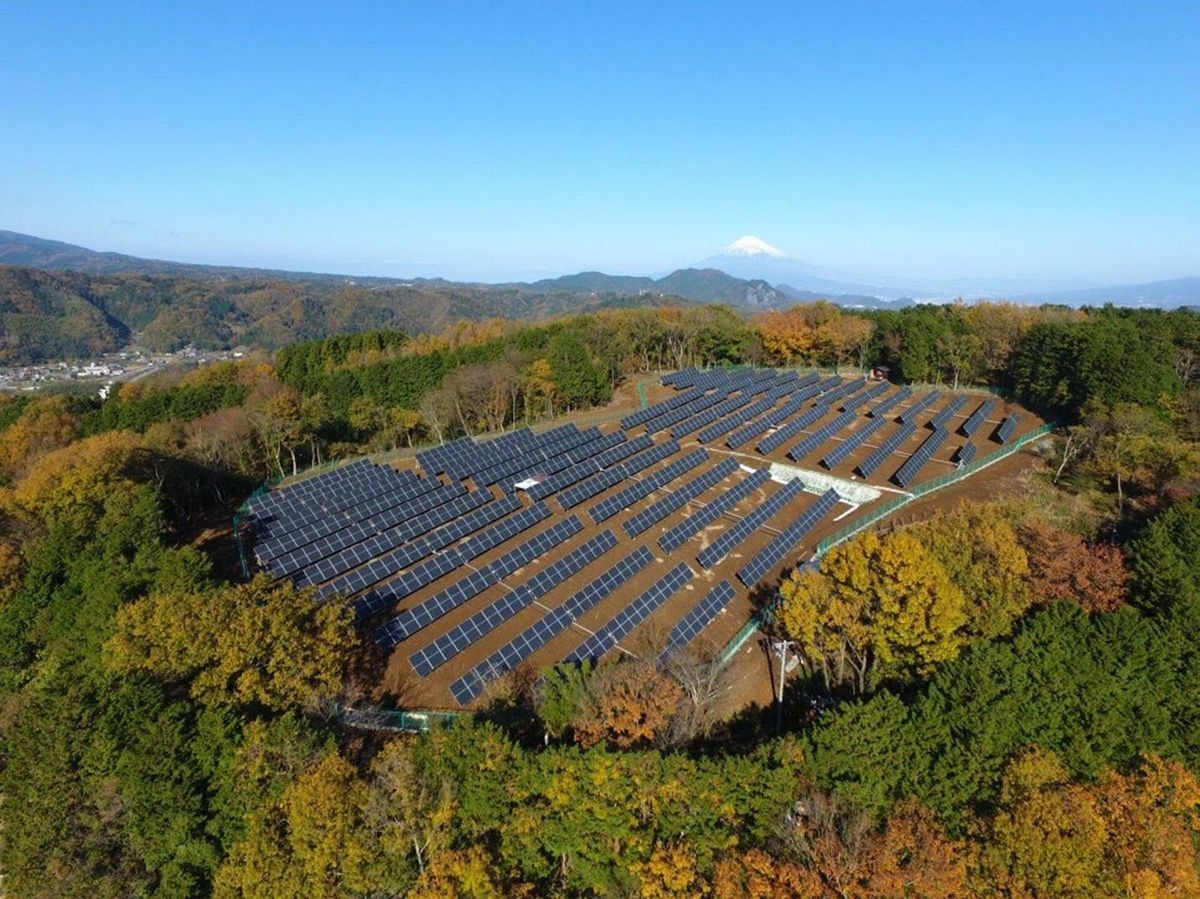 solar panels 2018 roofing trends