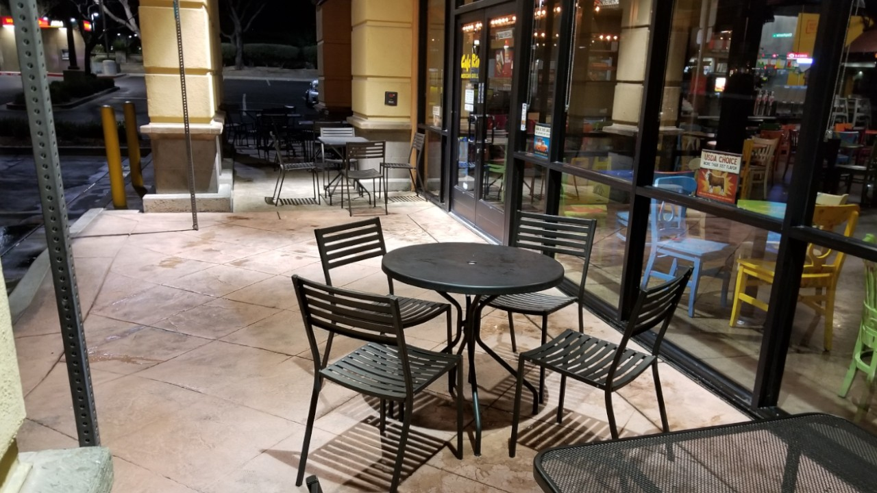pressure-washing-cafe-rio-storefront-and-siding--after-01