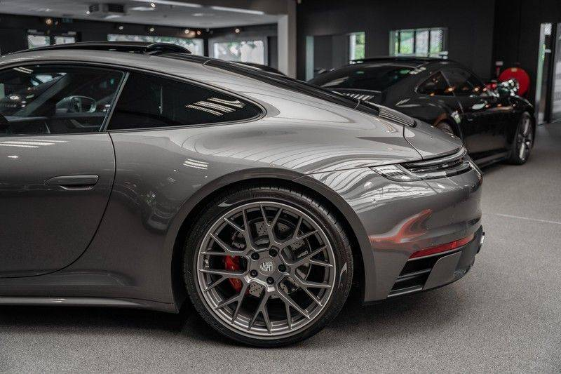 Porsche 911 992 4S Coupe Sport Design Pakket PDCC Ventilatie Pano ACC Surround Camera Achteras besturing 992 Carrera 4 S Vol afbeelding 15
