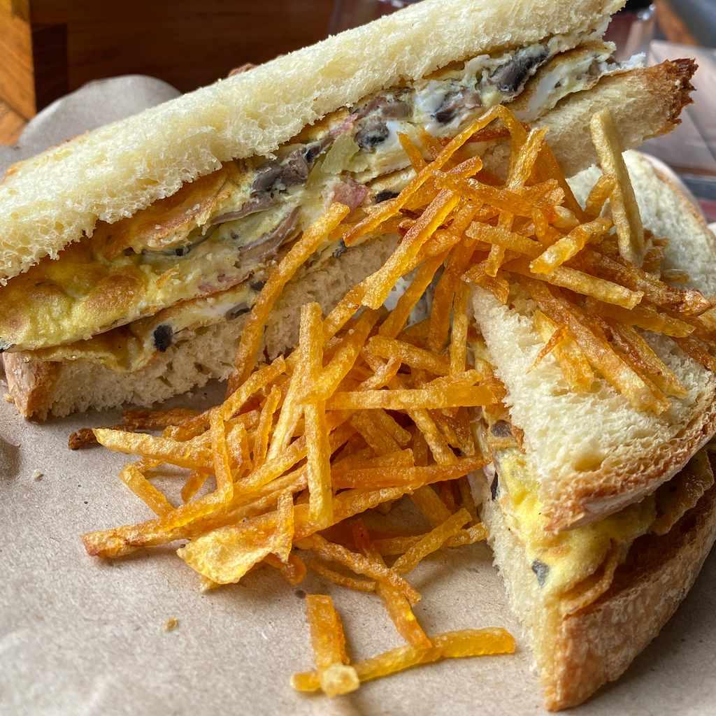 sandwiches: panino frittata