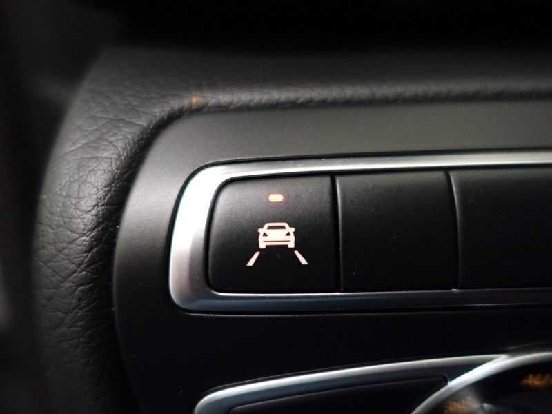 Mercedes-Benz V-Klasse 220 CDI Lang Dubbel Cabine 5/6 Pers Amg Style Autom- Navi, Camera, Xenon afbeelding 23