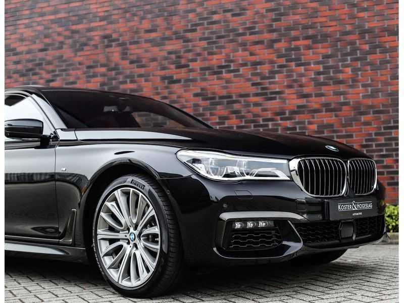 BMW 7 Serie 750d xDrive *M-sport*Head-Up*Asistant Plus* afbeelding 15