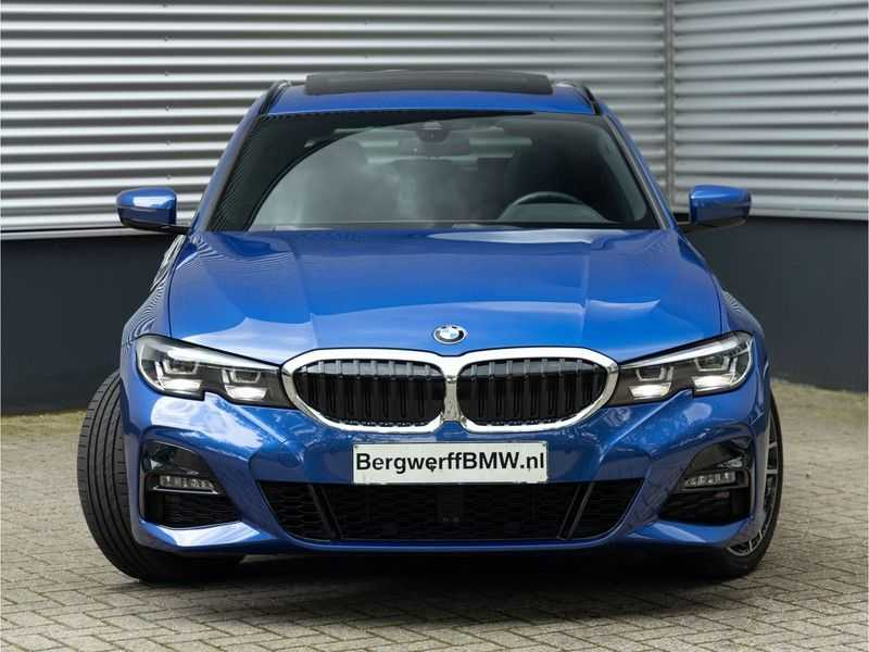 BMW 3 Serie Touring 330i M-Sport - Panorama - Trekhaak - DAB - Harman Kardon afbeelding 8