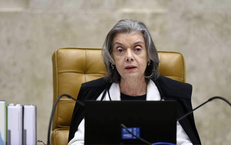 Cármen Lúcia mandou decisão judicial de soltar Lula ser descumprida, dizem procuradores da Lava Jato em diálogos