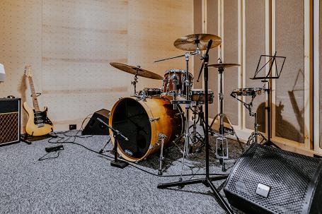 Zestaw perkusyjny, Vox AC30 C2 i odsłuch Alto ms8ma