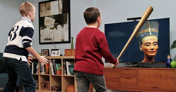 kid-destroys-priceless-artifact-while-playing-kinect