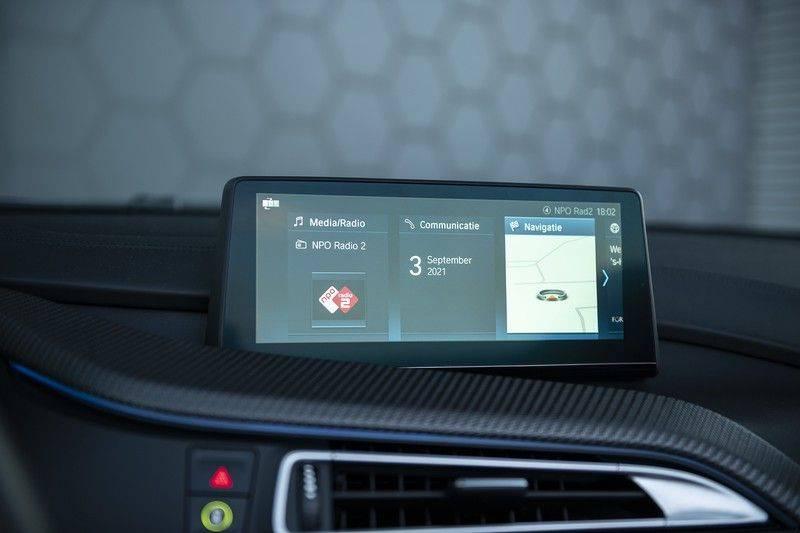 BMW i8 Roadster Dry Carbon, Carbon interieur afwerking, Accaro fijn nappa leder, Progressive package , Laser LED Koplampen afbeelding 24