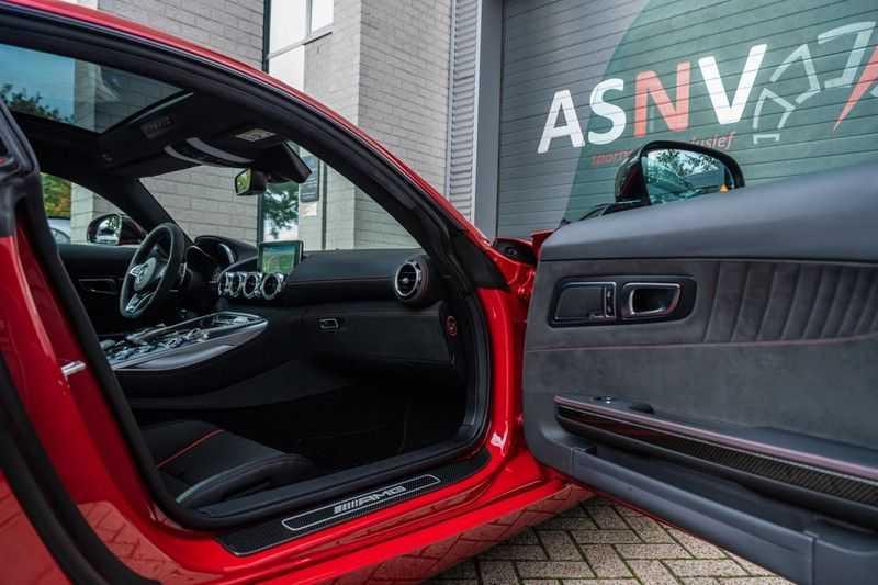Mercedes-Benz AMG GT 4.0 S, 510 PK, Sportuitlaat, AMG Dynamic Plus, Keramiek, Schaalstoelen, DAB, Carbon, Pano/Dak, UNIEK!! afbeelding 3