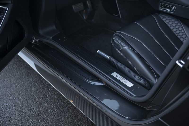 Aston Martin Vanquish Volante 6.0 V12 Touchtronic 2+2 1e eigenaar & NL Geleverd dealer onderhouden afbeelding 18
