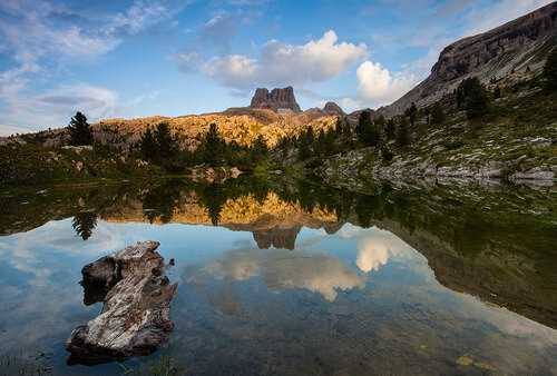 Spotlight Under The Averau passo Falzarego lago di Limides Dolomiti (Ph. Matteo Sigolo)