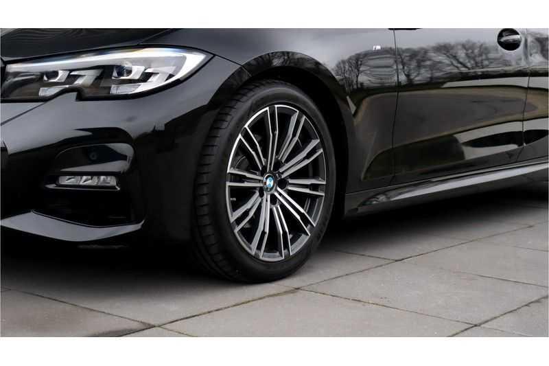 BMW 3 Serie 320i High Executive M Sport, Harman/Kardon, Live Cockpit Professional afbeelding 10