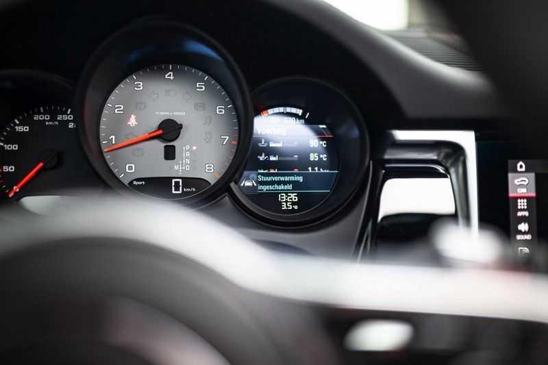 """Porsche Macan 3.0 S *Pano / 21"""" / Memory / DAB+ / Luchtvering / Rijbaanassistent* afbeelding 7"""