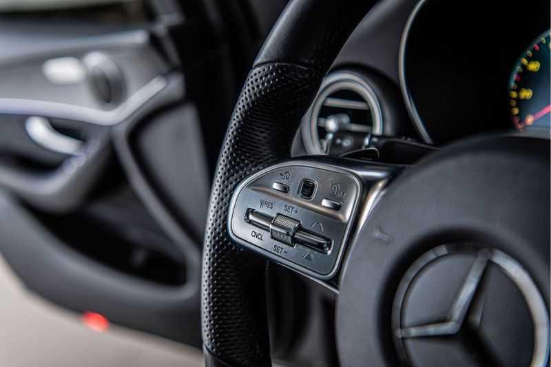 Mercedes-Benz GLC Coupé 300 4MATIC   360° camera   Panorama   Widescreen   Keyless afbeelding 9