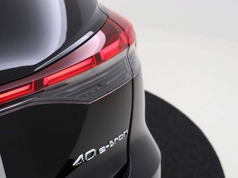 Audi Q4 40 e-tron Launch edition S Competition | Panoramadak | Lederen bekleding | Sonos | Head-up display afbeelding 19