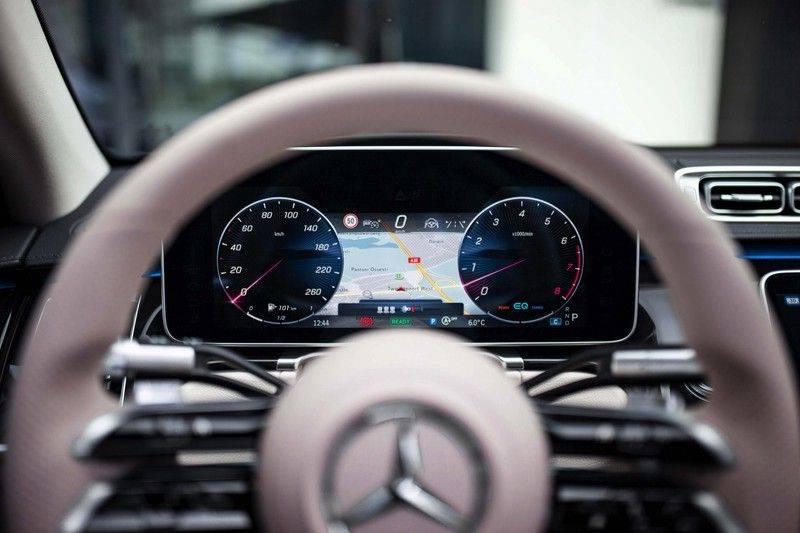 "Mercedes-Benz S-Klasse 500 4Matic Lang AMG NP €193.000 *Pano / 3D Burmester / HUD / Distronic / 21"" / 3D Display* afbeelding 10"