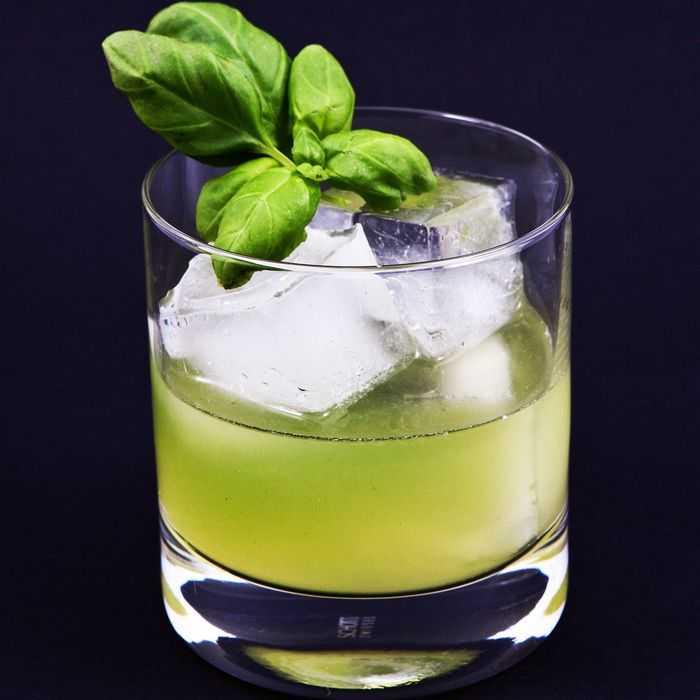 Gin Basil Smash Cocktail