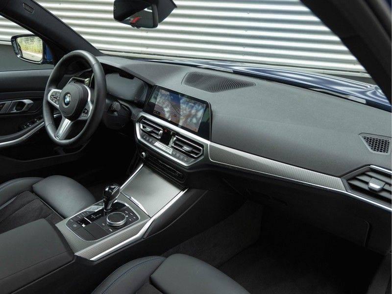 BMW 3 Serie Touring 330i M-Sport - Panorama - ACC - Hifi - DAB afbeelding 14