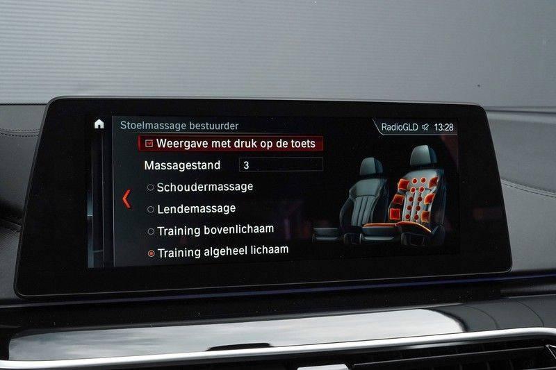 """BMW 5 Serie M550d X-Drive M-Pakket Shadow B&W Camera 360° Massage 20"""" afbeelding 22"""
