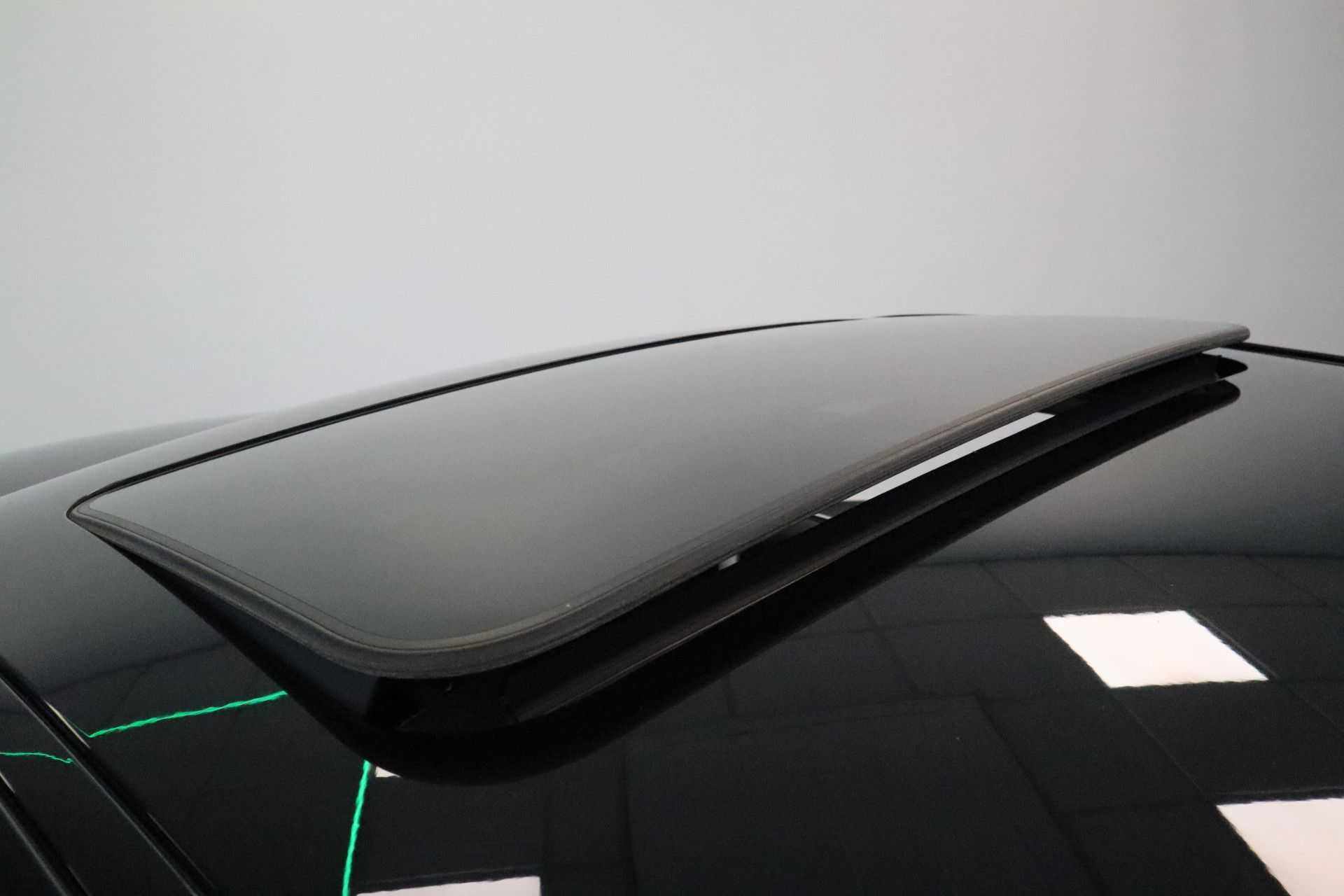 """BMW 3 Serie 330e M Sport Full Led Navigatie Clima Cruise 18""""LM afbeelding 7"""