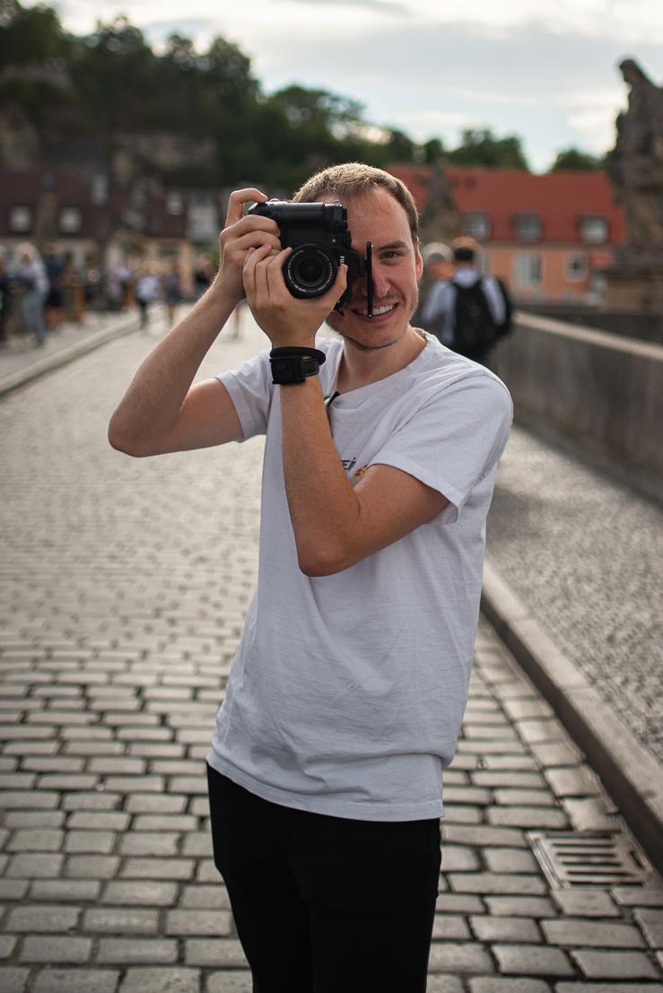 Das ist Florian Steiniger auch bekannt als Steini der Mann hinter SteiniLuck